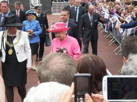 Her Majesty greeting crowds in George Square, 4-7-12. Pic: Copyright Alistair McConnachie